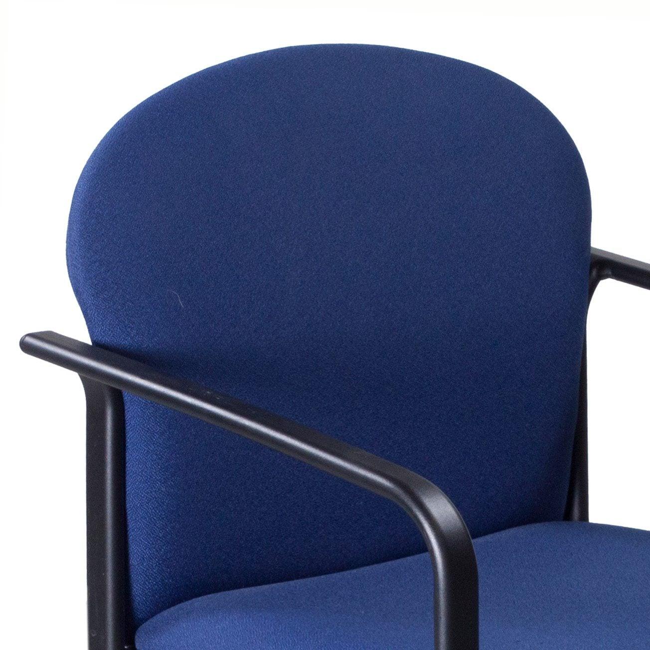 Steelcase-Round-Guest-Blue-04.jpg