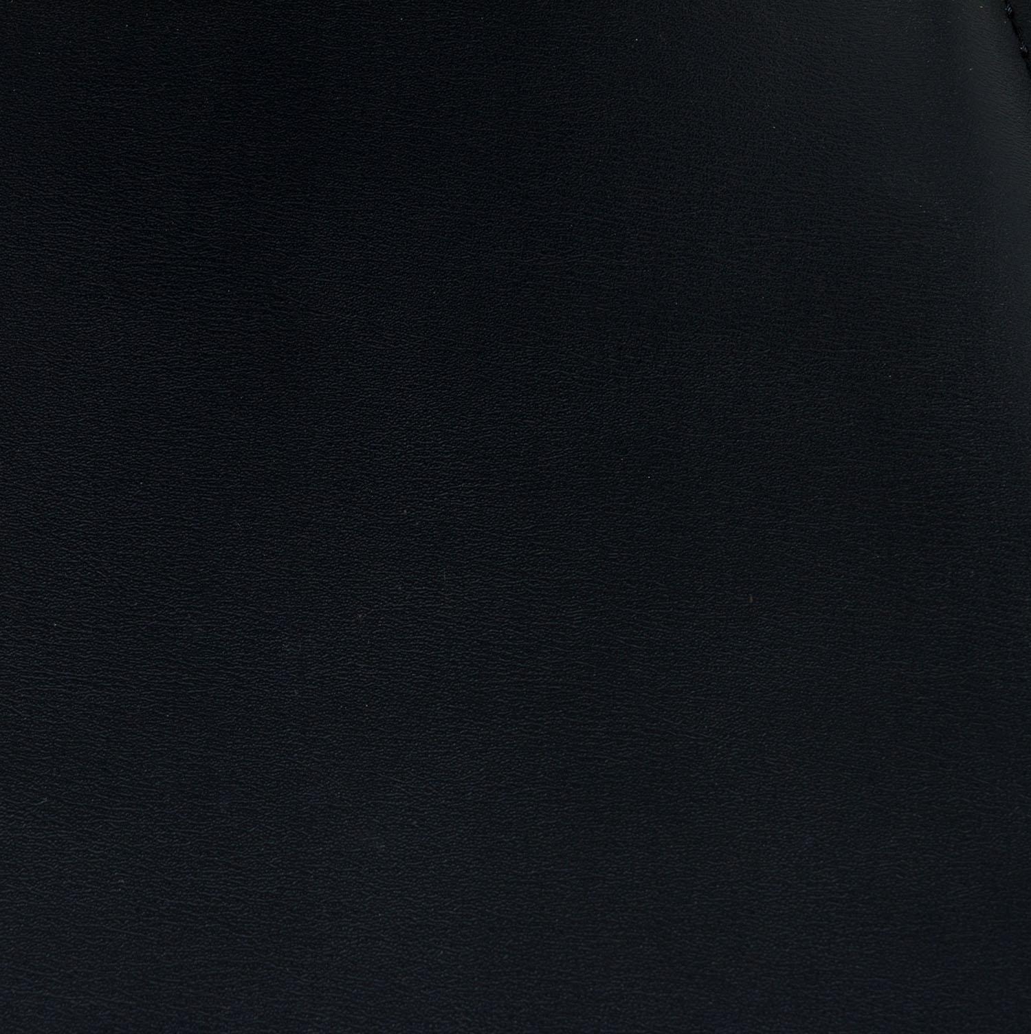 goSIT-Black-Leather-Stack-04.jpg