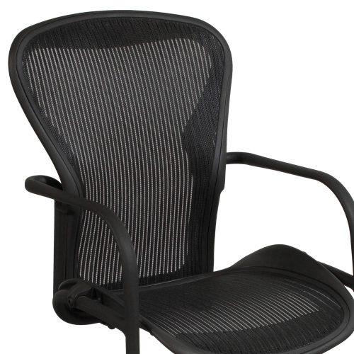 Herman Miller-Aeron-Side Chair-Carbon-04