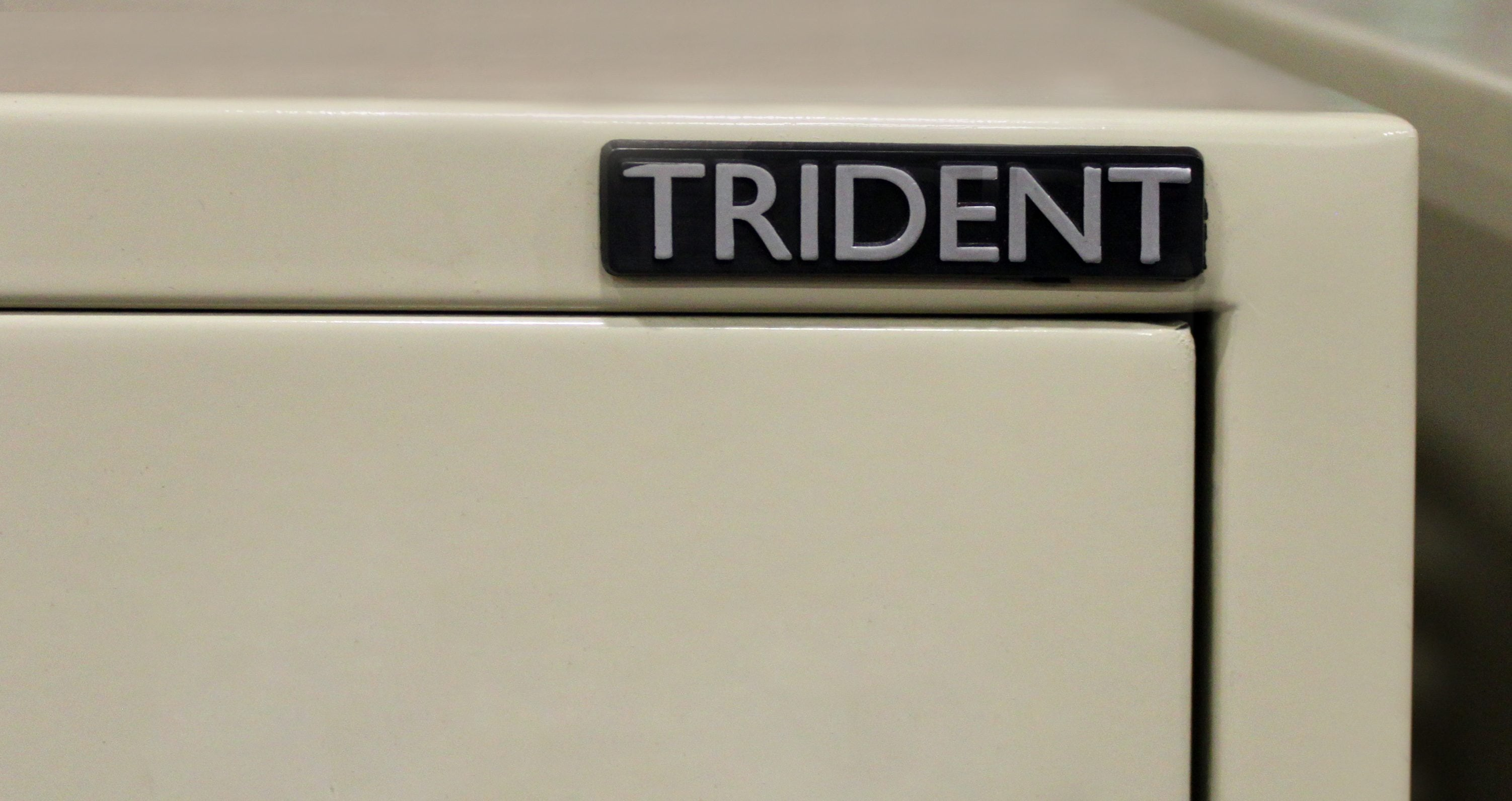 trident shaped letter schwab 5000 trident used putty letter sized file 25318 | IMG 0659