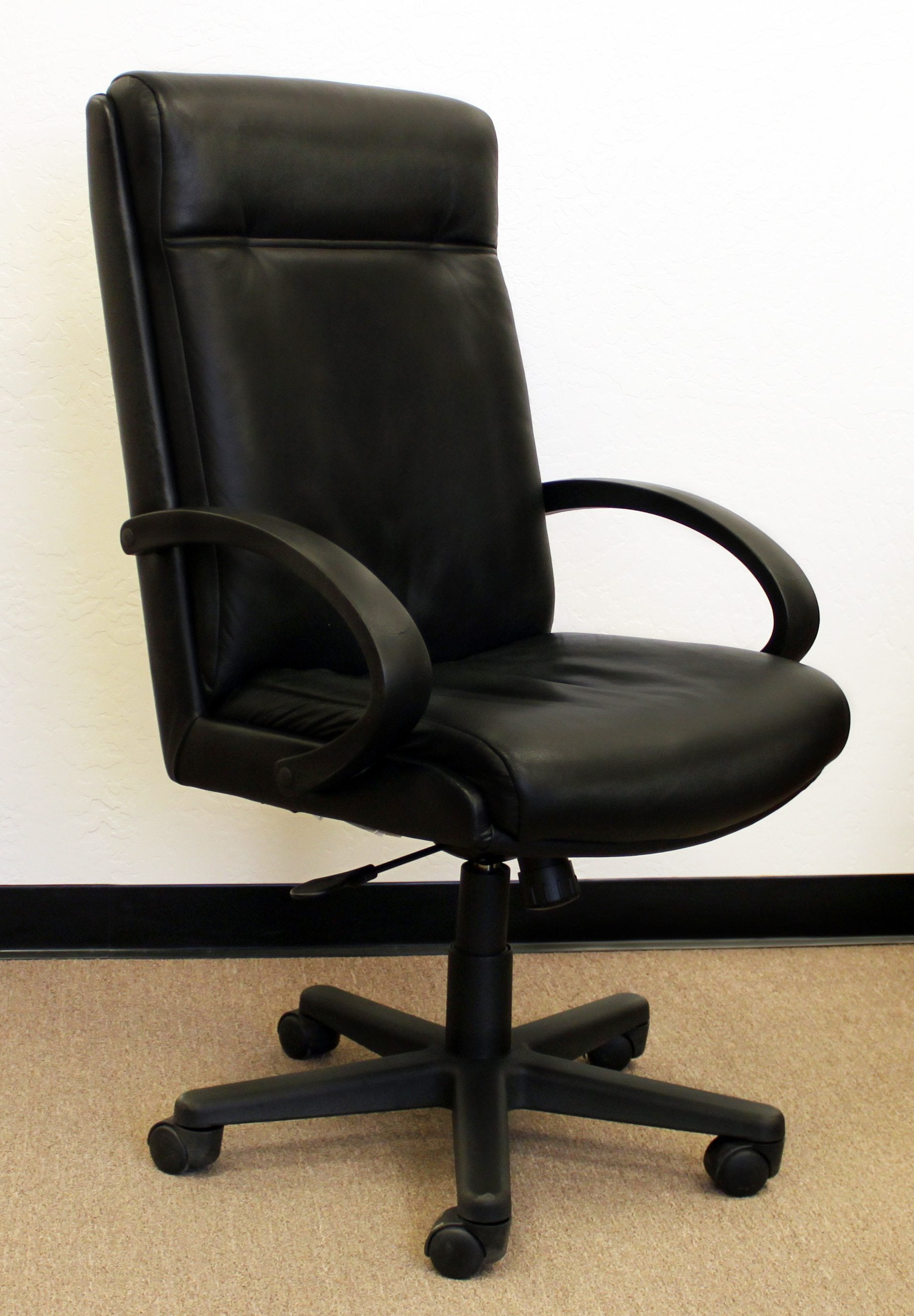 Steelcase Turnstone Executive 319 Used High Back Chair