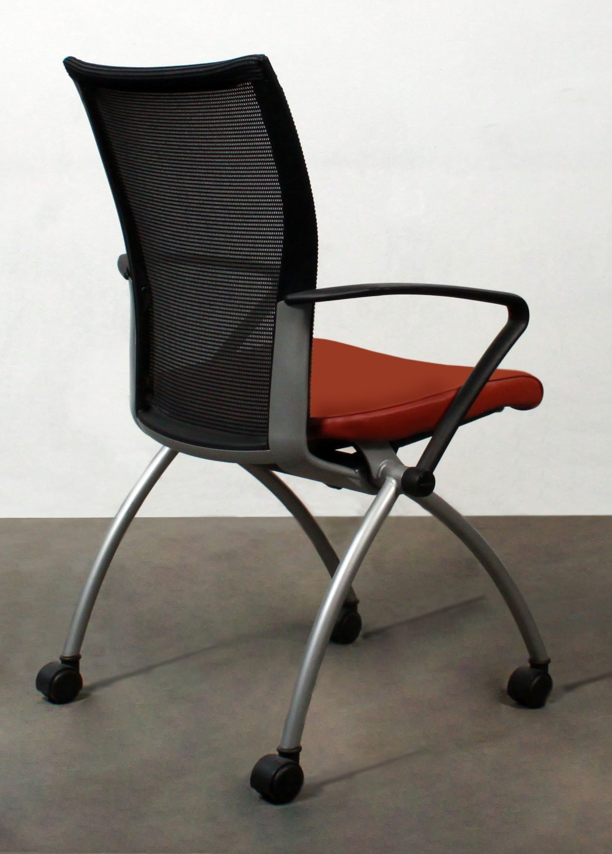 Haworth X99 Used Leather Mesh Back Seminar Nesting Chair