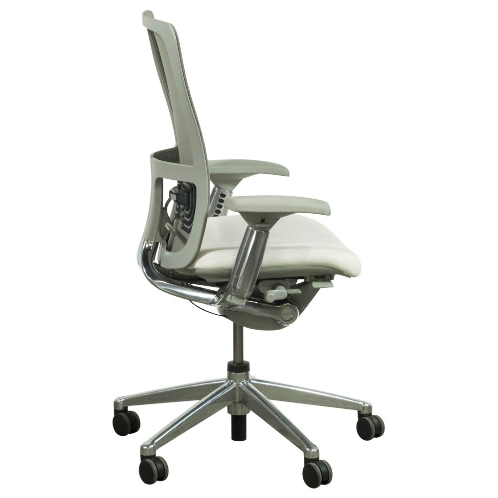 haworth zody mesh back used leather task chair white and gray