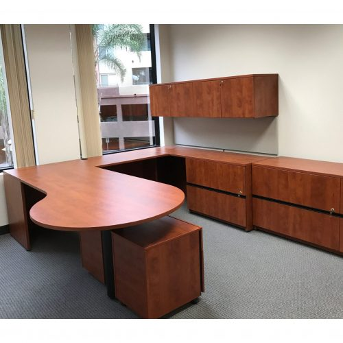 Steelcasee Payback Right Return P-Top Desk in Cherry