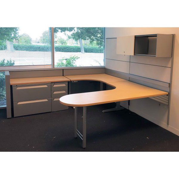 8 215 8 Herman Miller Vivo Used U Shape Left Return Desk Set
