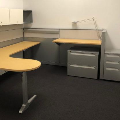 8x8 Herman Miller Vivo Used L-Shape Right Return Desk Set, Maple