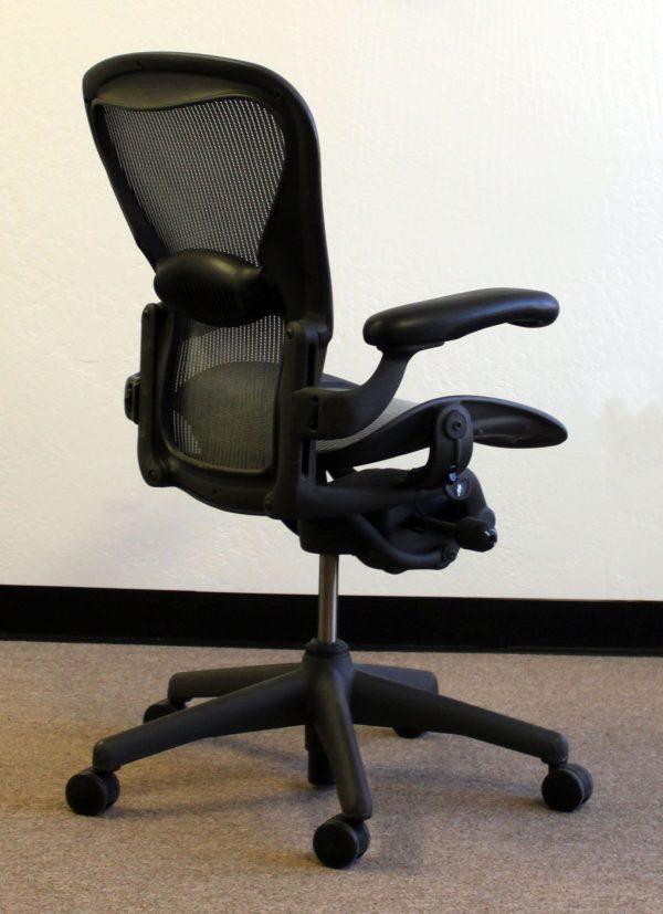 Herman Miller Aeron Used Size B Task Chair, Lead